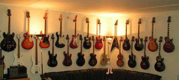 Yamaha Guitars - YamahaMusicians com