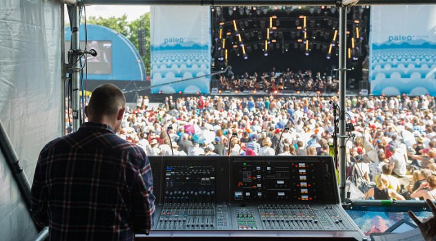 Fabien Ayer mixes on the Yamaha RIVAGE PM1D at Les Arches stage