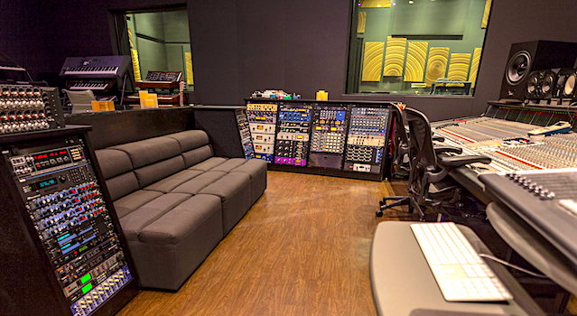 Tom Brooks Hybrid Studios