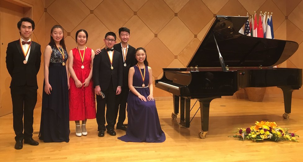 Yamaha Senior and Junior winners Yangrui Cai, Catherine Huang, Yongqiu Liu, Ruisi Lao, Kevin Cho and Katherine Liu