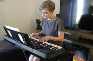 Emily Playing Yamaha PSR-E273