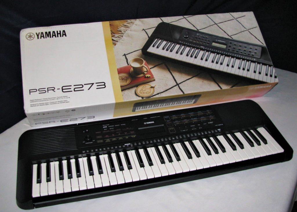 yamaha_psr_e273_box