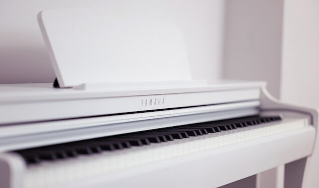 Yamaha Rounds Off The Clavinova CLP-700 Series With The CLP-725